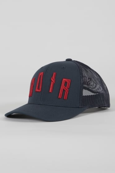 Iconic Noir Trucker Hat Navy/Red