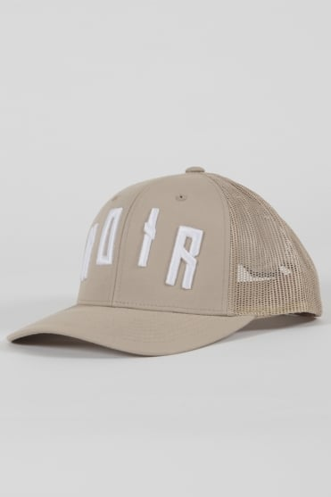 Iconic Noir Trucker Hat Beige