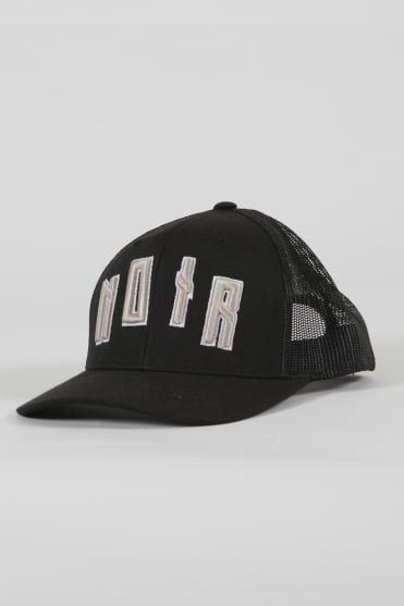 Iconic Noir Trucker Hat Black/Gold