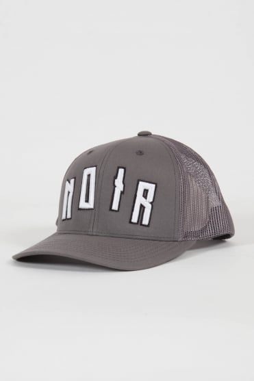 Iconic Noir Trucker Hat Grey/White